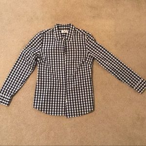 Vineyard Vines Blue and White Button Down